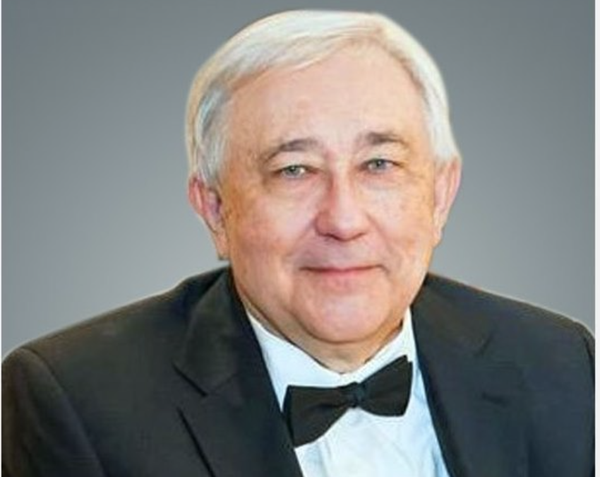 It is with utmost sadness and a heavy heart that we inform you of the passing of Jaroslaw Hankewych.